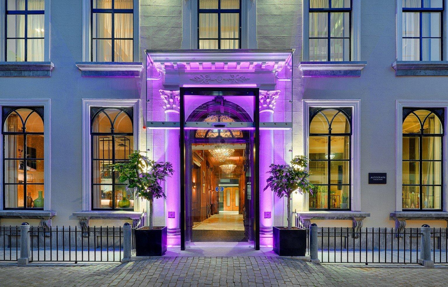 Glazen entree Nassau Hotel