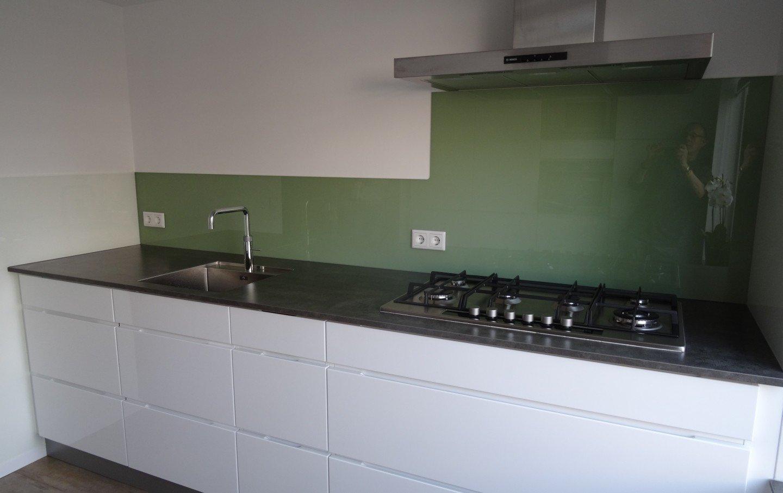 Melkglas Keuken Achterwand : Glazen keuken achterwand │ overveld glas breda